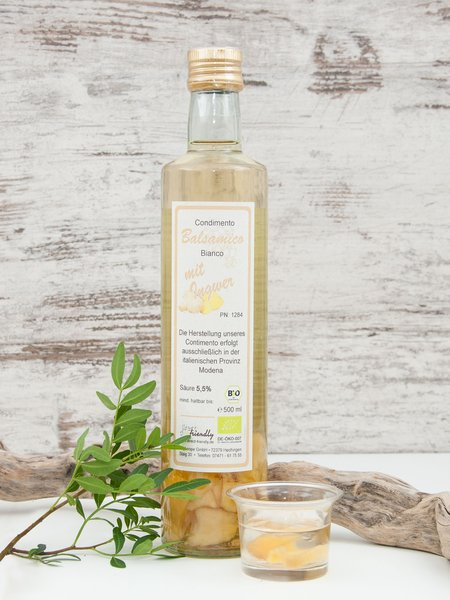 Bio Condimento Bianco mit Ingwerstücken