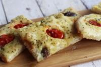 Tomaten-Oliven-Focaccia