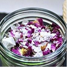 rosenbluetenblaetter-Salz