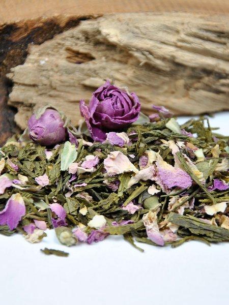 Grüne Rose - Grüner Tee Bio Sencha mit Rosenblütenblättern