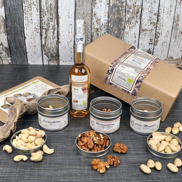 Nuss und Schuss - Bio Geschenkset mit Nüssen und Nusslikör