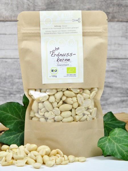 Bio Erdnusskerne - ganze, rohe - blanchiert
